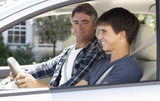Existe um seguro de carro específico para o jovem que começou a dirigir?